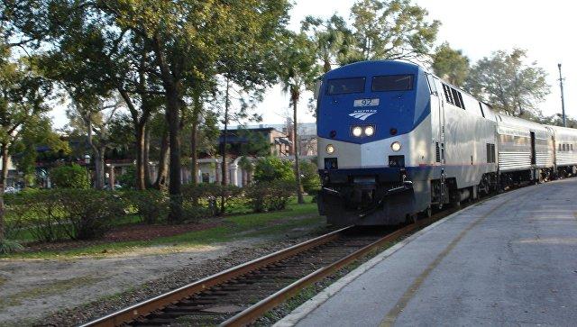 Поезд железнодорожной компании Amtrak, архивное фото