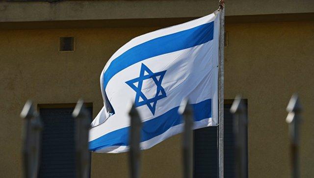 Израильский флаг у посольства Израиля в Москве. Архивное фото