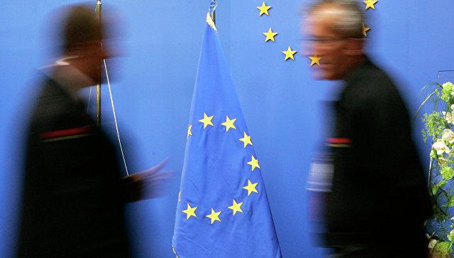 Флаг Евросоюза в здании Совета ЕС в Брюсселе. Архивное фото