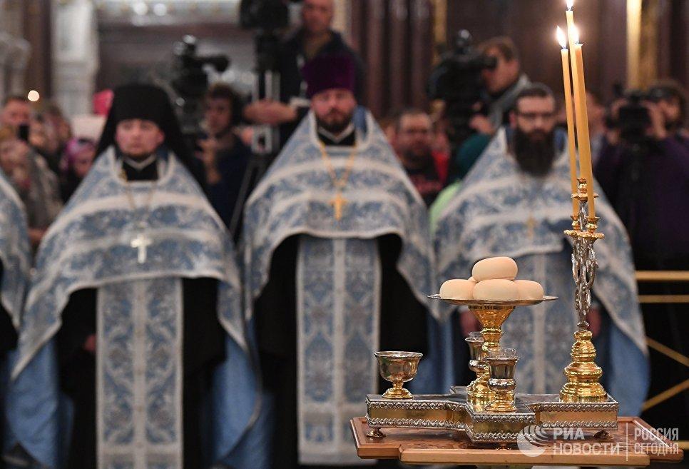 Богослужение в честь прибытия мощей святого Силуана Афонского в храме Христа Спасителя
