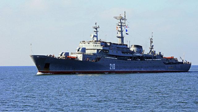 Учебный корабль Балтийского флота. Архивное фото