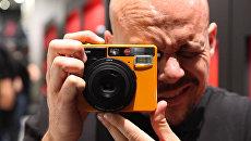 Leica для любителей – компания представила пленочную камеру мгновенной печати