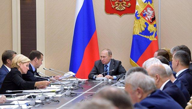 Путин потребовал разобраться скачеством дорог