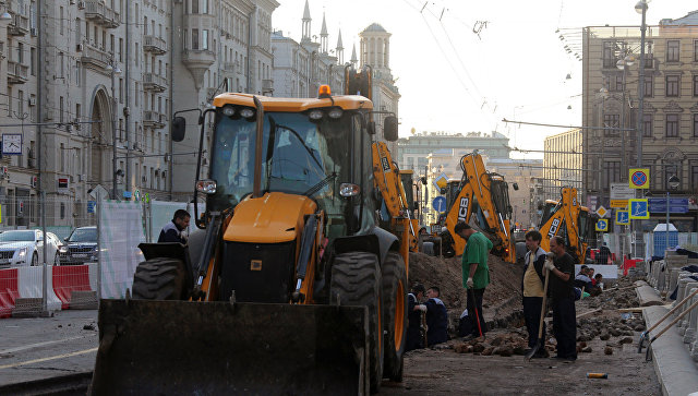 Трактор проткнул ковшом машину под Калининградом, шофёр умер