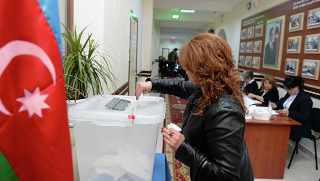 Жители Азербайджана выступили заувеличение срока полномочий президента
