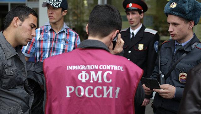 Патрулирование улиц сотрудниками ФМС и казаками