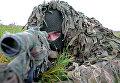 Военнослужащий на учениях морских пехотинцев береговых войск Балтийского флота в рамках подготовки ко дню морской пехоты в Калининградской области
