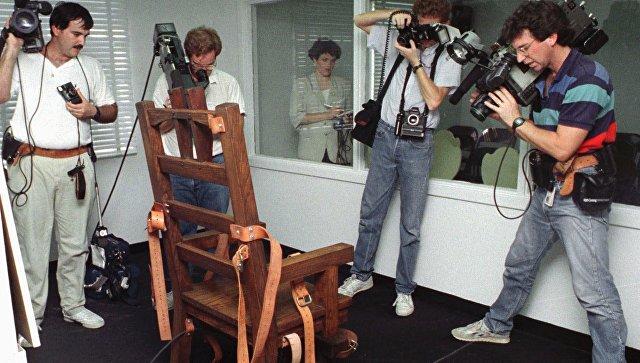 Электрический стул в тюрьме штата Флорида, США. Архивное фото