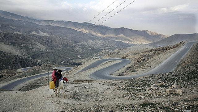 Местные жительницы в окрестностях Синджара, Ирак