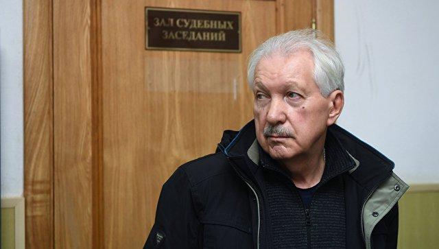 Суд отказался закрыть совещание поделу экс-главы Коми Торлопова