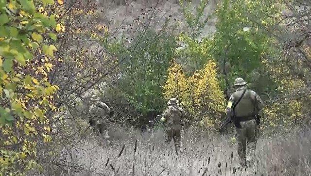 Сотрудники спецназа во время проведения оперативно-розыскных мероприятий. Архивное фото