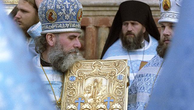 Богослужение в честь праздника Покрова Пресвятой Богородицы. Архивное фото