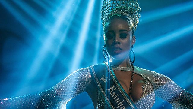 Выбор королевы и короля Самбы карнавала в Рио-де-Жанейро, Бразилия