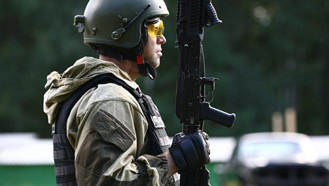 Участник открытого первенства среди подразделений специального назначения правоохранительных органов по практической стрельбе из стрелкового оружия