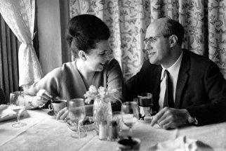 Галина Вишневская и Мстислав Ростропович. Прага, 1965 год