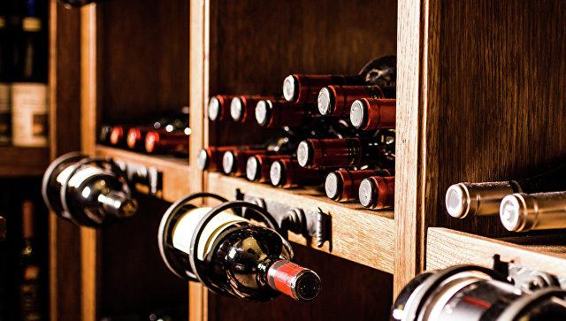 Вандалы уничтожили несколько сотен тонн игристого вина навинодельне вИталии