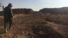 Боец сирийской армии на высоте, где расположена часть ПВО. Архивное фото