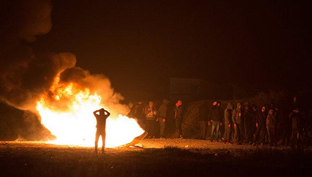 Милиция применила слезоточивый газ против враждебных мигрантов вКале