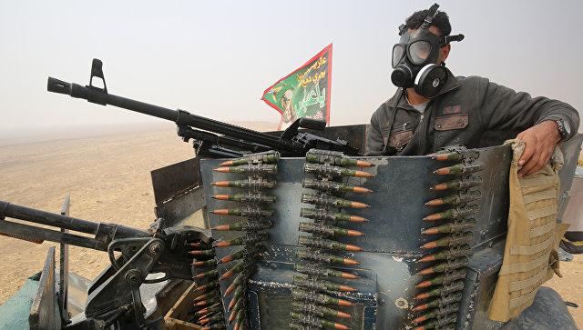 Иракский военный во время операции против ИГ в Мосуле