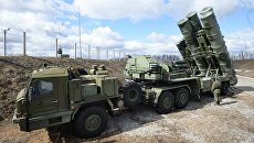 Зенитный ракетный комплекс Триумф С-400 во время несения боевого дежурства в Московской области