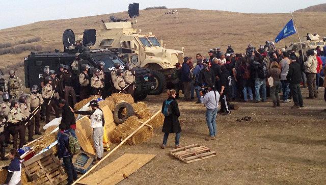 Милиция Северной Дакоты применила против демонстрантов слезоточивый газ