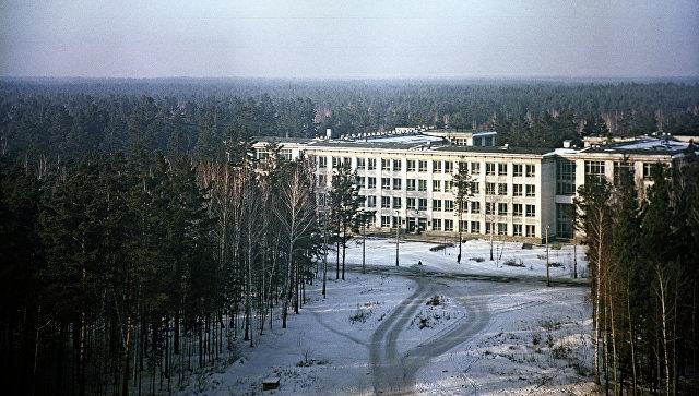Вид на здание Новосибирского государственного университета, архивное фото