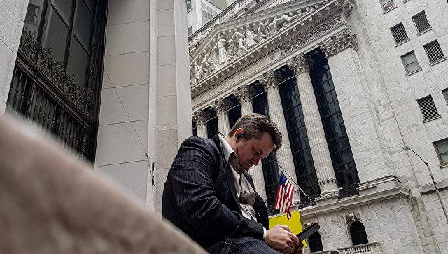 Биржи США понижаются после публикации статистики иперед оглашением итогов совещания ФРС