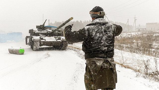 Украинские военные в районе города Счастье в Луганской области. Архивное фото
