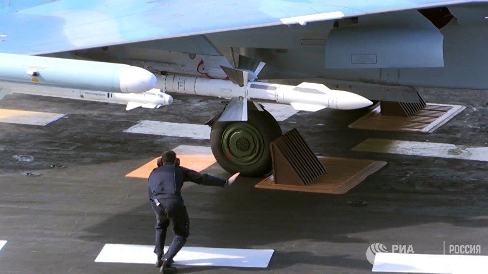 Крейсер Адмирал Кузнецов и СКР Адмирал Григорович впервые задействованы в операции в Сирии