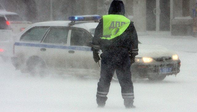 """На алтайской трассе спасатели вытащили из """"снежного плена"""" пять машин"""