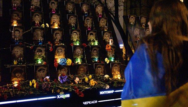 """""""Не стреляйте, тут свои!"""". О чем молчит официальный Киев в """"деле Майдана"""""""