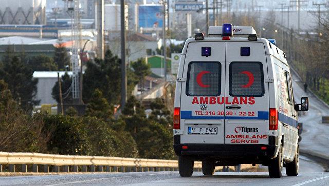 В Турции автобус врезался в мост: погибли не менее 5 человек