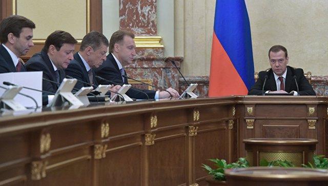 Системе подбора иподготовки приёмных родителей вРФ требуется серьёзная корректировка— Медведев