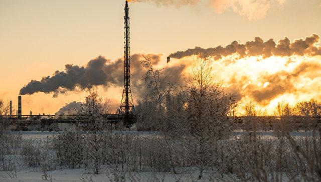 Омский нефтеперерабатывающий завод. Архивное фото