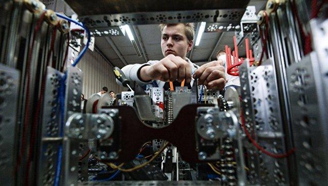 Участник фестиваля робототехники. Архивное фото