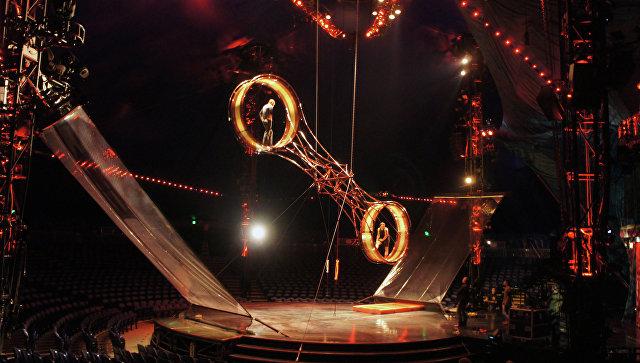 Трёхкратная Олимпийская чемпионка погимнастике упала свысоты впроцессе циркового представления