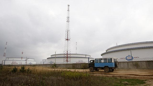Емкости для хранения нефти в Гомельской области. Архивное фото