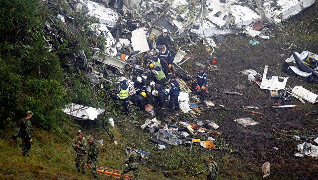 Самолет сбразильскими футболистами разбился вКолумбии, защитник «Шапекоэнсе» выжил
