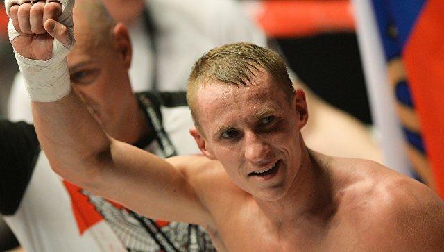 Русский боксер Трояновский получил нокаут ипотерял два титула заминуту