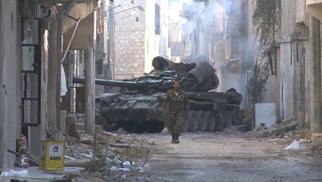 Уличные бои в Алеппо: сирийские танки и пехота освободили квартал Мейсар