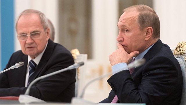 Путин назвал тупым решение Литвы запретить заезд судьямКС РФ
