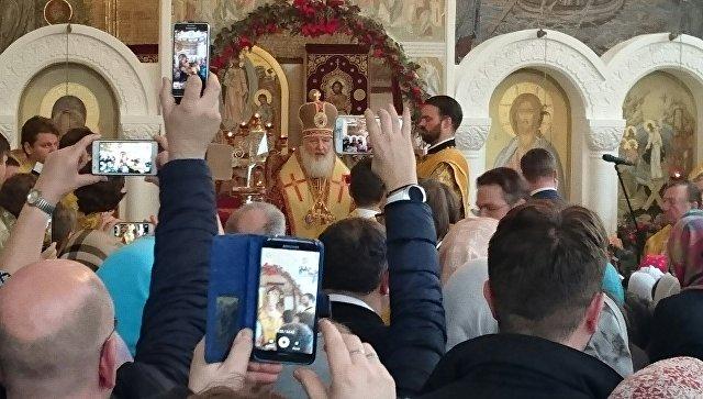 Патриарх Кирилл совершил Божественную литургию в Цюрихе в храме РПЦ в честь Воскресения Христова, отмечающем 80-летие