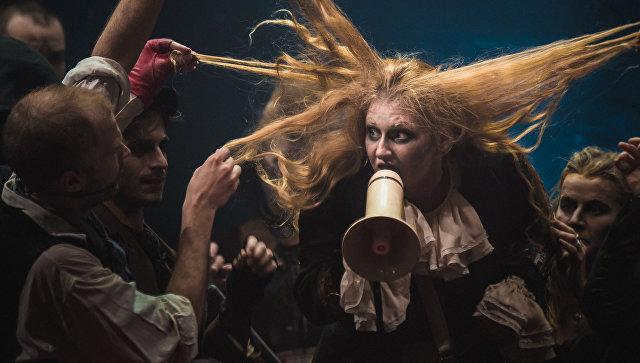 Сцена из мюзикла Суини Тодд