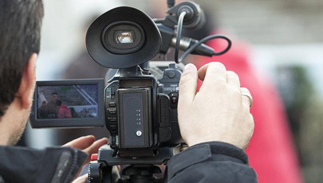 Оператор с камерой. Архивное фото