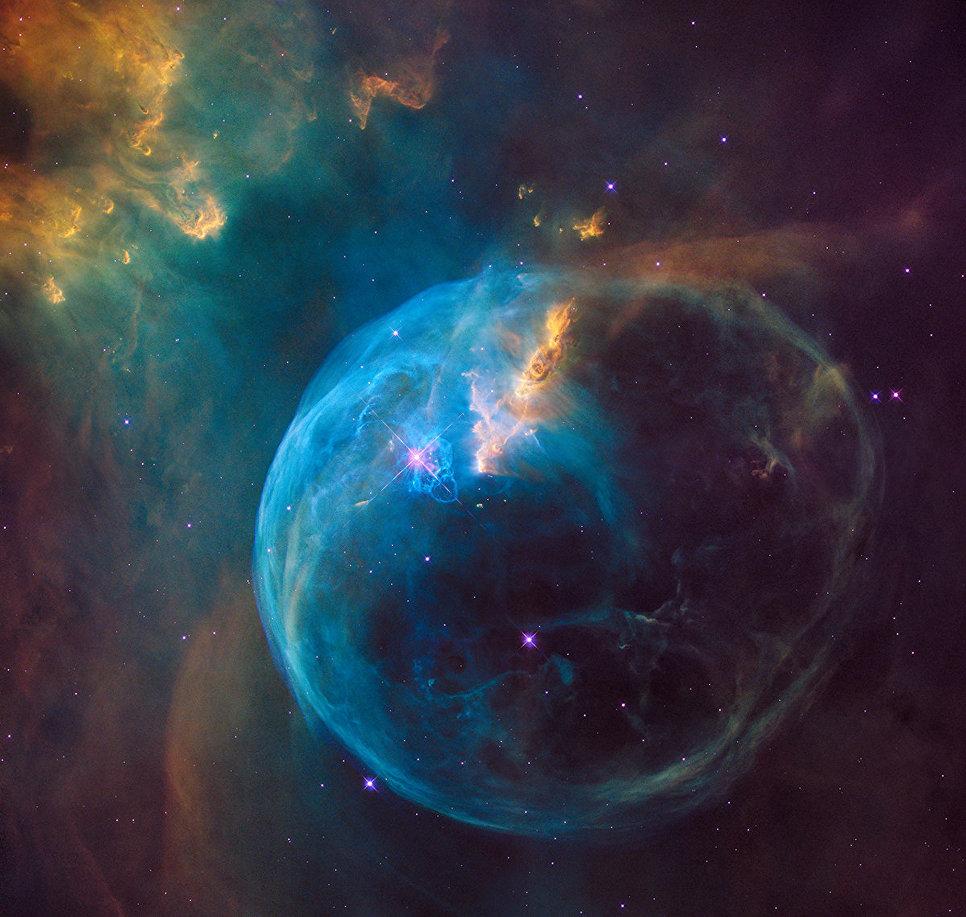 Туманность Пузырь снятая телескопом Хаббл