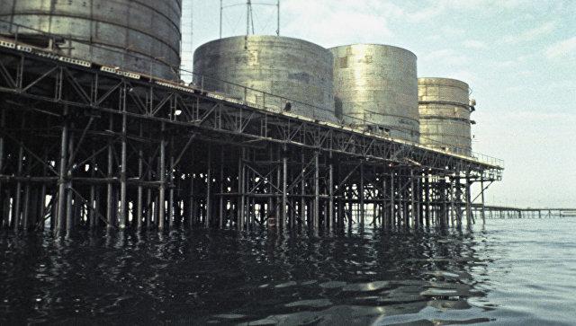 В итоге обрушения эстакады наКаспии вАзербайджане пропали 10 нефтяников