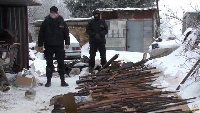 Работники ФСБ словили торговцев оружием в российской столице