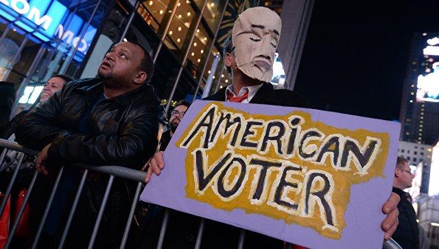 Площадь Таймс-сквер в Нью-Йорке во время выборов президента США