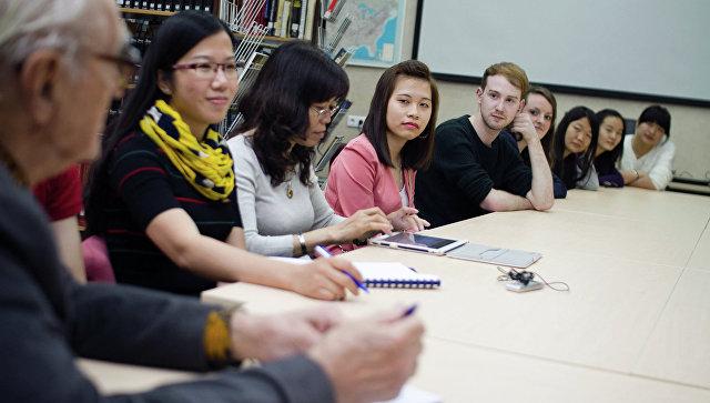 Иностранные студенты. Архивное фото