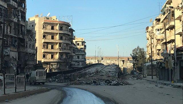 Освобожденный квартал восточного Алеппо около трассы в аэропорт. Архивное фото